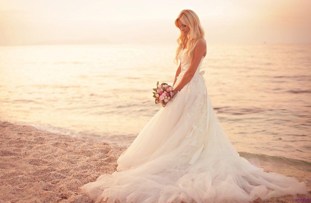 Abito Sposa Matrimonio Spiaggia : Abiti da sposa per matrimonio sulla spiaggia u vestiti da cerimonia
