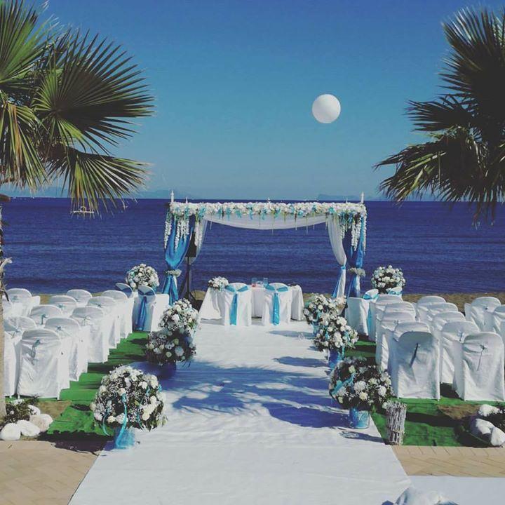 Matrimoni Spiaggia Napoli : La cerimonia in spiaggia al kora napoli golfo di pozzuoli