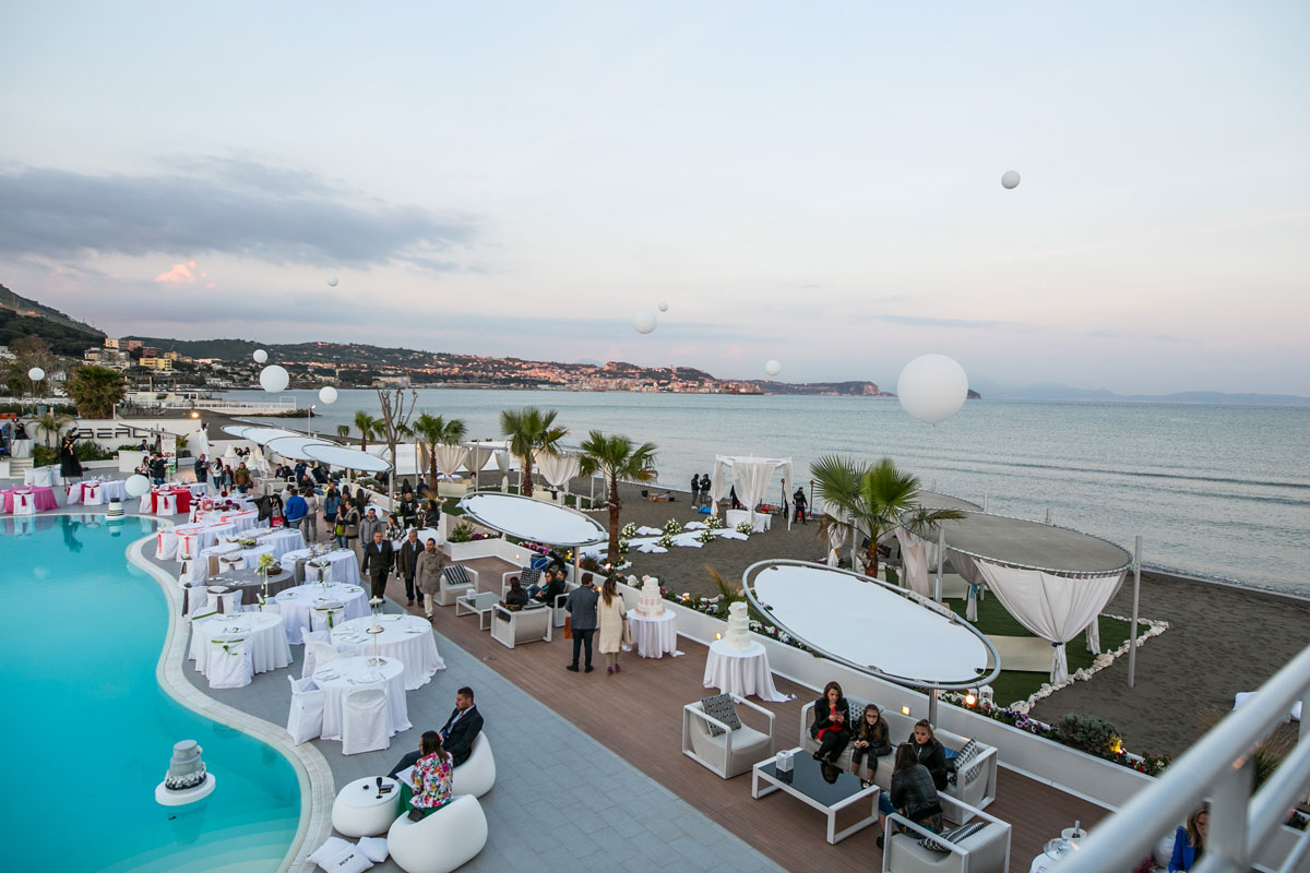 Matrimoni Spiaggia Napoli : La spiaggia del kora. sposarsi in spiaggia napoli.