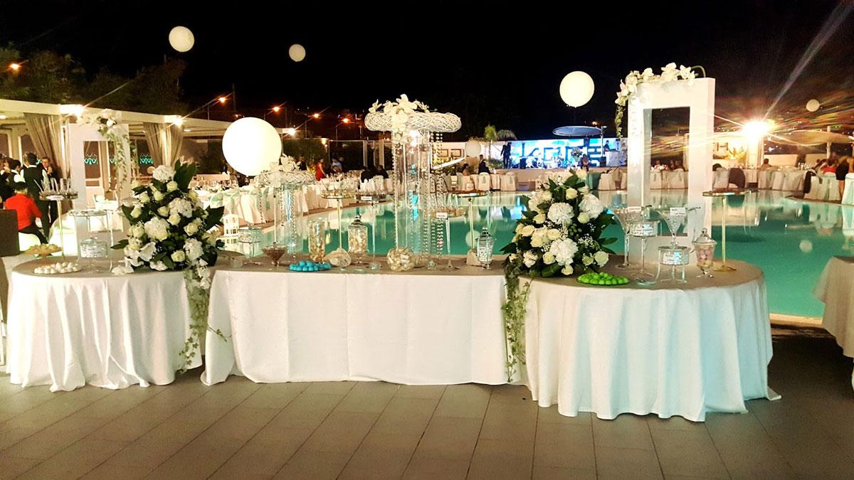 Matrimoni Spiaggia Napoli : Buffet del kora. buffet in spiaggia e a bordo piscina.