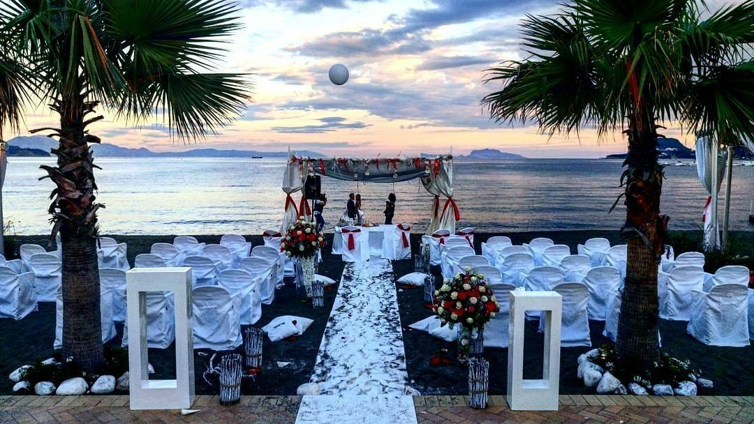 Matrimonio Religioso In Spiaggia : Matrimonio in spiaggia campania kora events