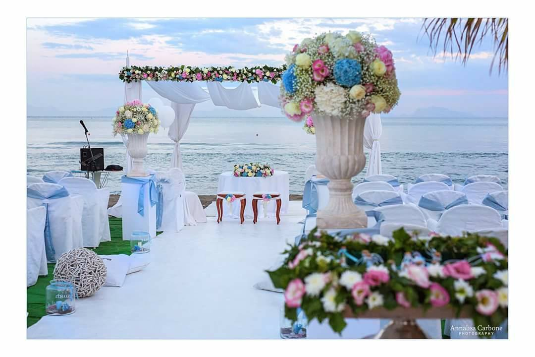 Matrimonio Spiaggia Eventi : Myluxury.it scrive di noi: matrimonio in spiaggia: 8 location in